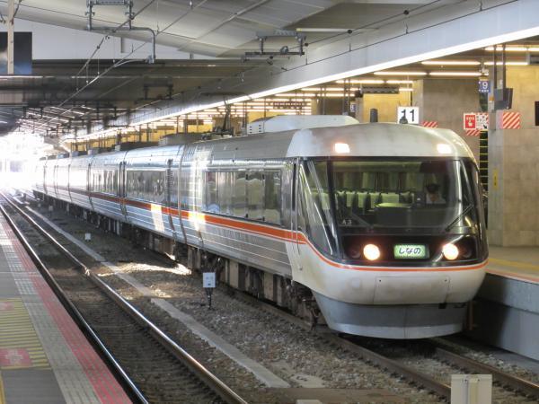 特急しなの号(大阪駅)