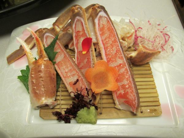 夕食カニ刺身1