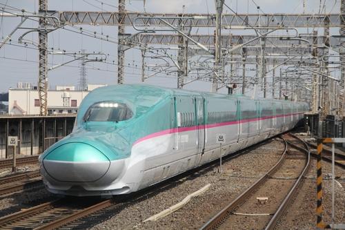 020_E5系小山駅