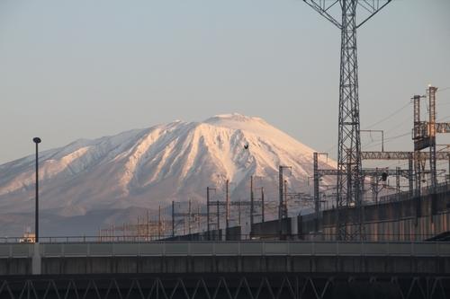 005_盛岡駅から岩手山