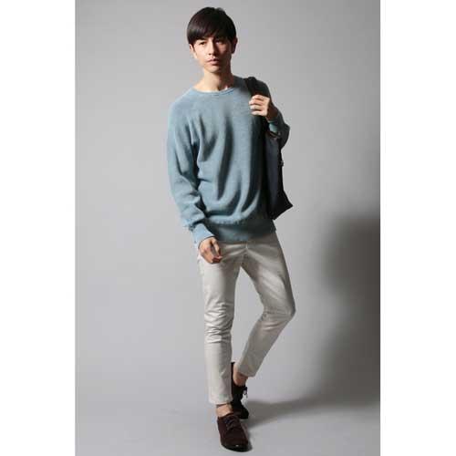 インディゴ ニット コーディネート 大人ファッション1