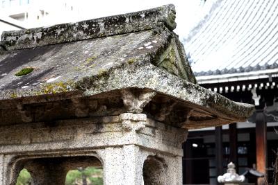 本法寺石灯籠