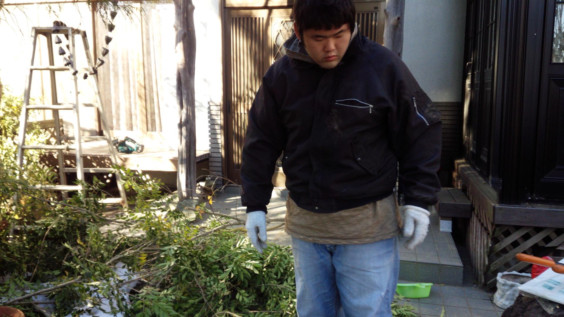 つぐと庭掃除① ^^