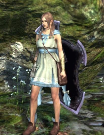 古種族少女の服(青)着用