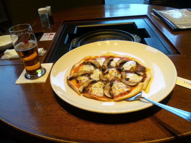 サッポロビール園 ピザ
