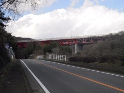 東名鉄橋160221