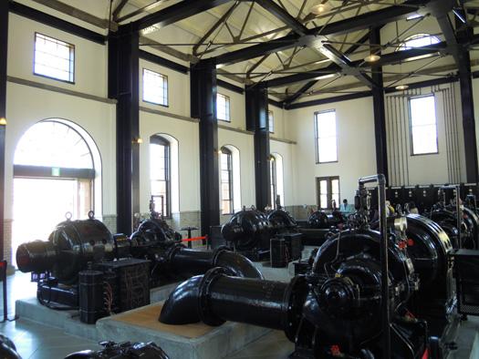 鍋屋上野浄水場の旧第一ポンプ所内部。
