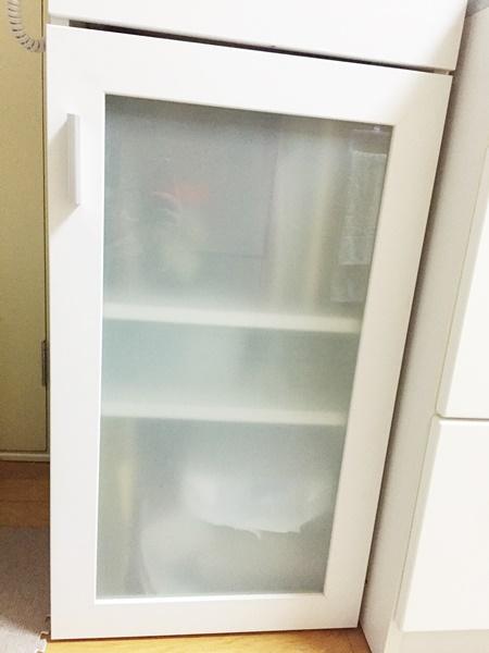 キッチン収納棚 閉じた所