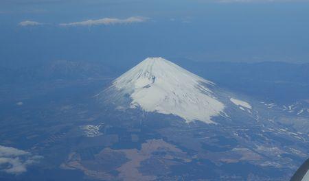 2月27日 飛行機から富士山が見えた