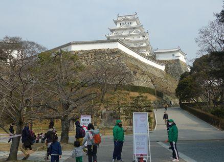 姫路城内へ