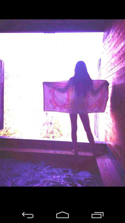 【画像あり】女子小学生 仲村星虹がTwitterに全裸写真を投稿してる