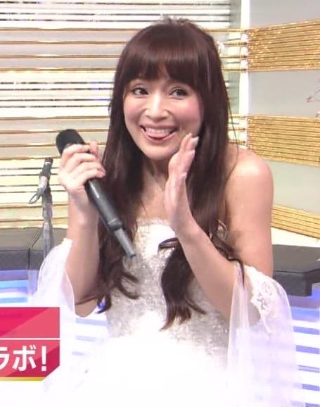 """「SMAPの後ろのおばさん誰?」Mステ浜崎あゆみの""""劣化""""に視聴者騒然"""