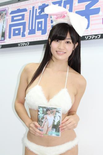 高崎聖子「愛人疑惑」質問に無言…新作DVDでは「悶絶している」
