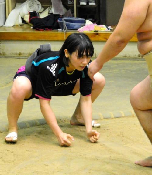 女子大生力士「野崎舞夏星(19)」が立命館大学の男子相撲部に入部
