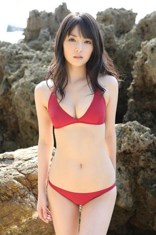 道重さゆみと矢島舞美のおへそ鑑賞スレ