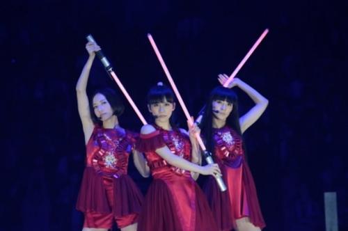 Perfume 万感 広島 凱旋 観客 2人 10 周年 9000人