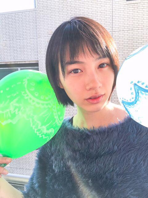 能年玲奈に異変 ブログでアップした「生気のない目」があの芸能人たちにそっくり!?