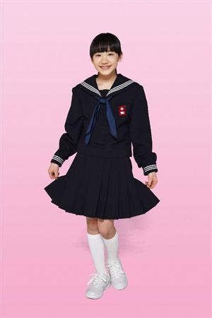 """芦田愛菜ちゃん、初セーラー服!役では1歳上の中学生に""""進学"""""""