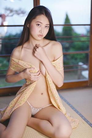 Fカップ木村あやね、19歳で魅せたオトナな表情にドキッ