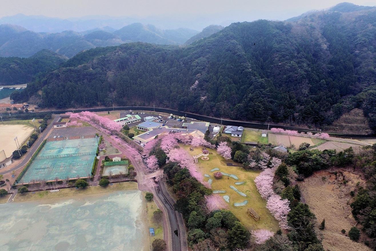 6浜久須運動公園