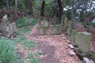 ウチラント(詣り墓)