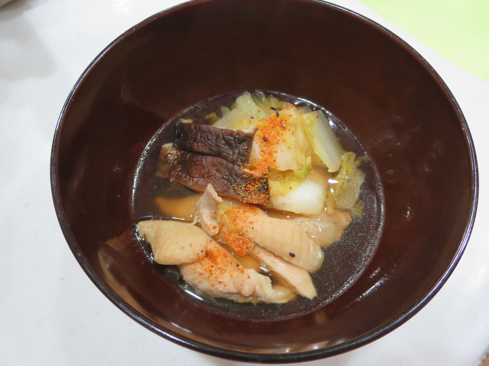 白菜と鶏肉のスープ