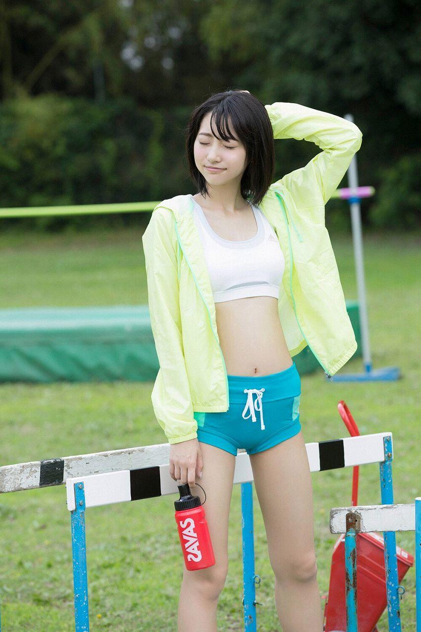 武田玲奈のスポーツウェアグラビア