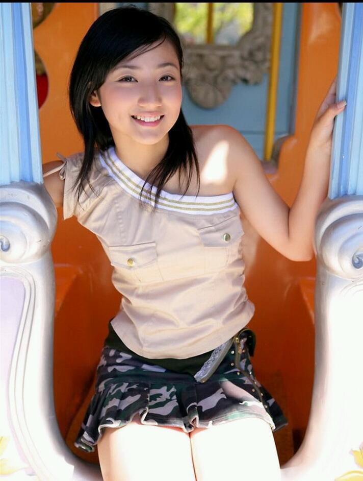 紗綾の着衣グラビア