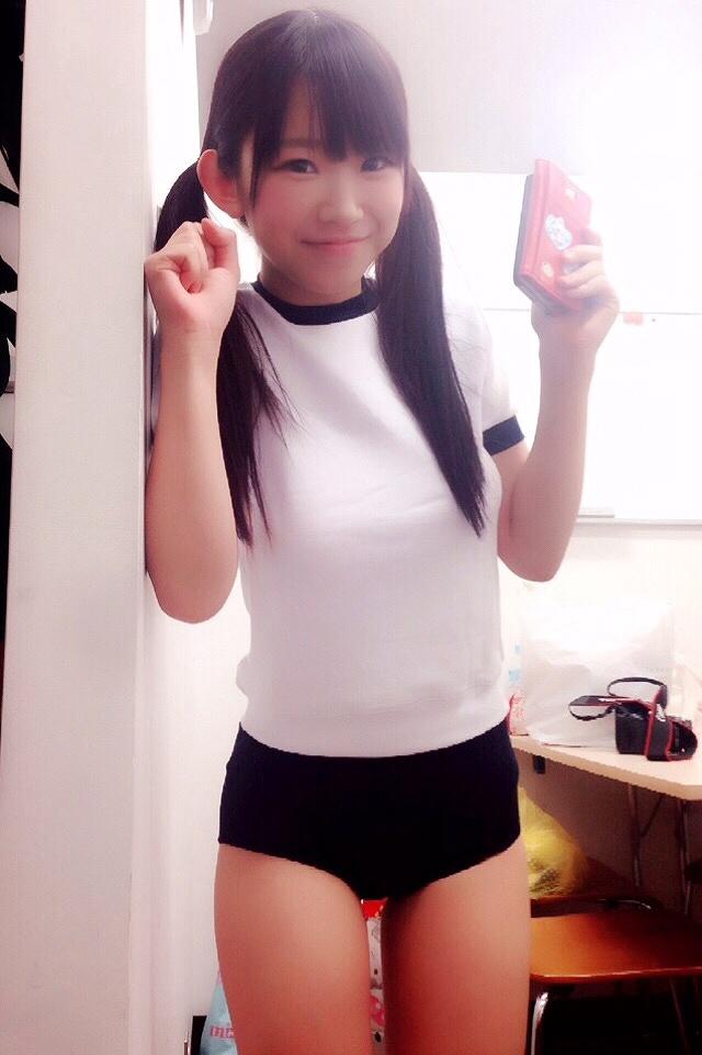 体操着・ブルマ姿の長澤茉里奈