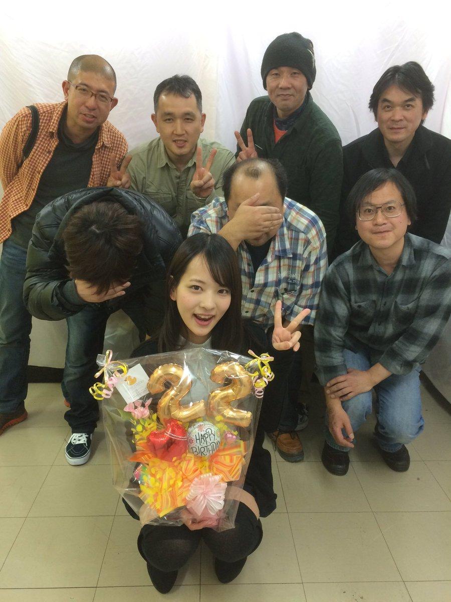 あべみかことファンの男性の集合写真