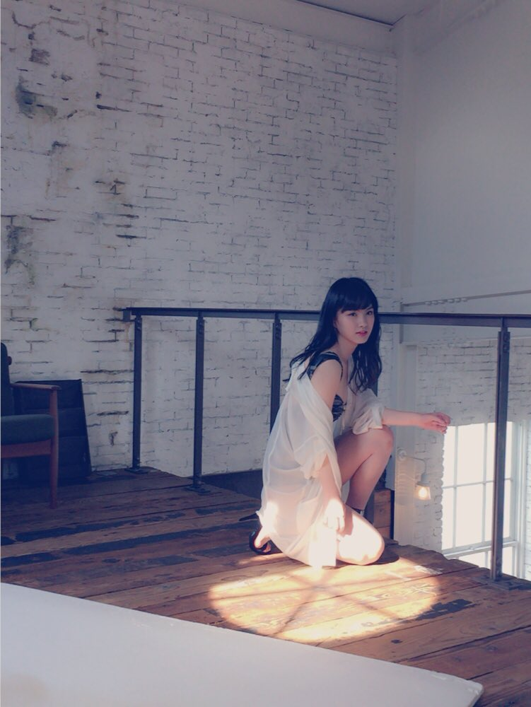 NMB48・中野麗来の水着グラビアオフショット