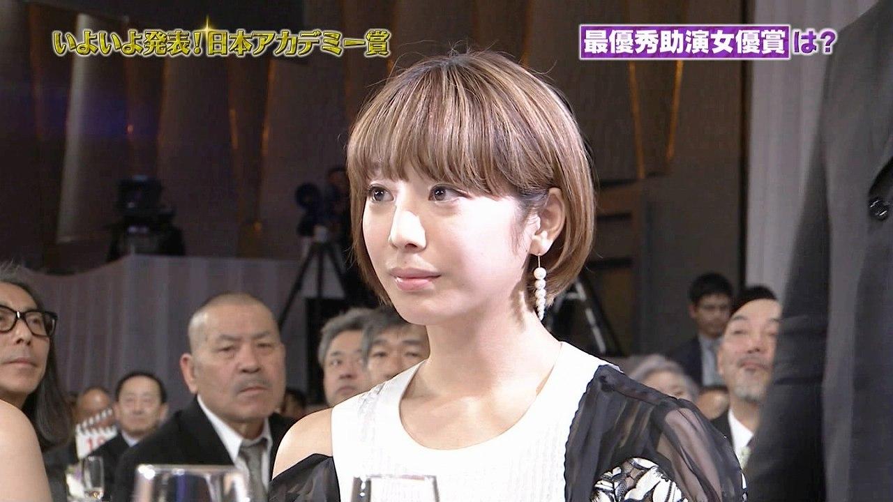 第39回日本アカデミー賞授賞式に出席した夏帆