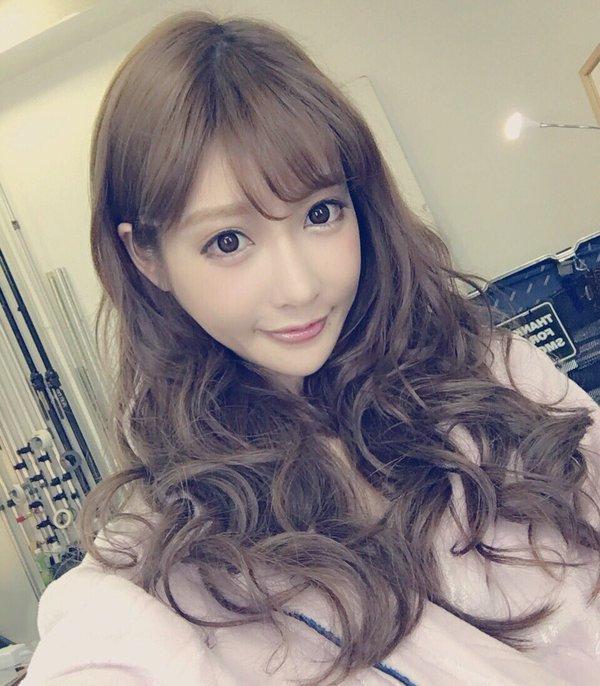 整形サイボーグ・明日花キララの最新自撮り画像