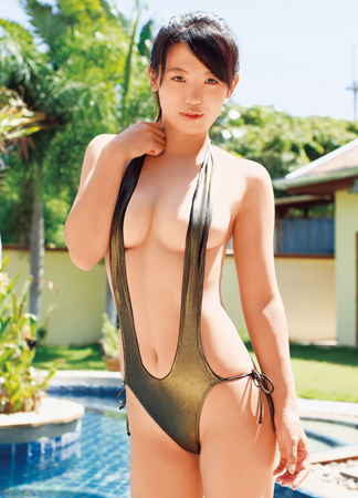 ばーん・高田千尋の変態水着グラビア