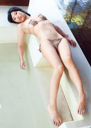 ばーん・高田千尋の下着グラビア