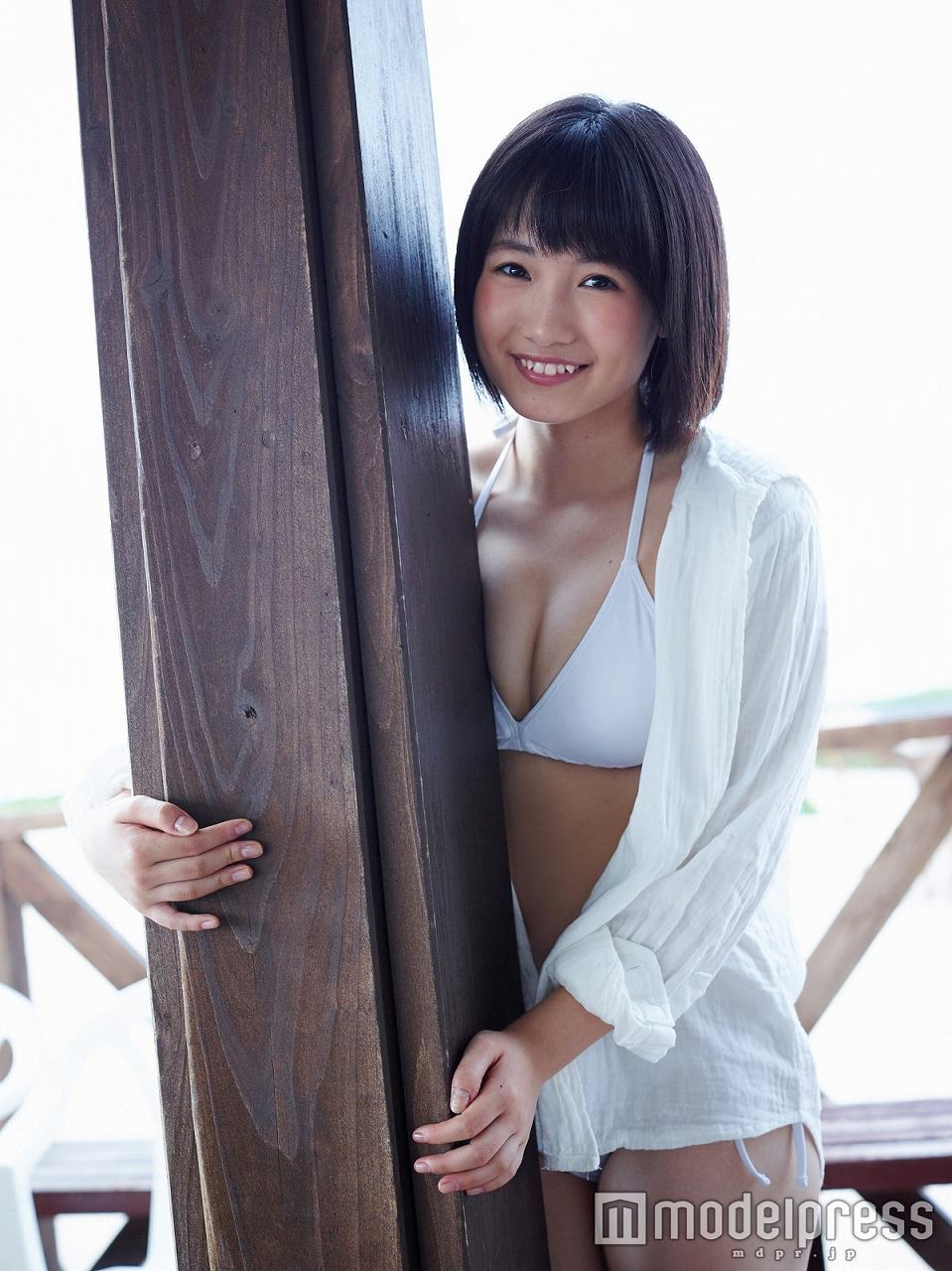 HKT48・朝長美桜の水着グラビア