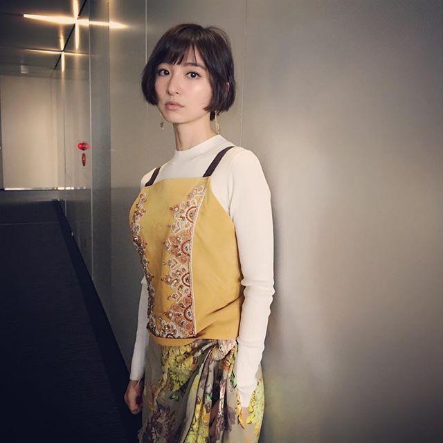 篠田麻里子がインスタグラムに投稿して豊胸疑惑が再燃した巨乳・篠田麻里子