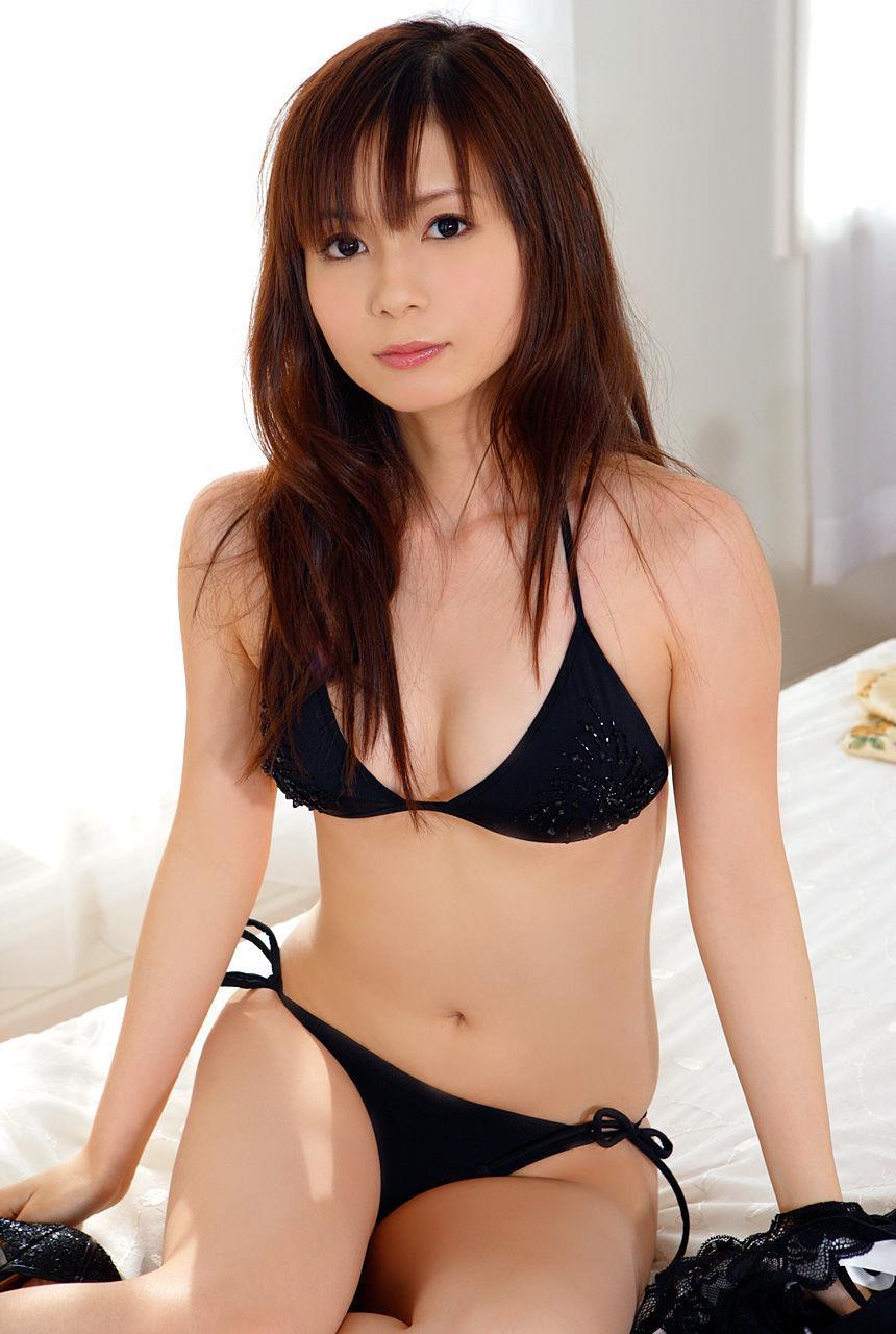 中川翔子の水着グラビア