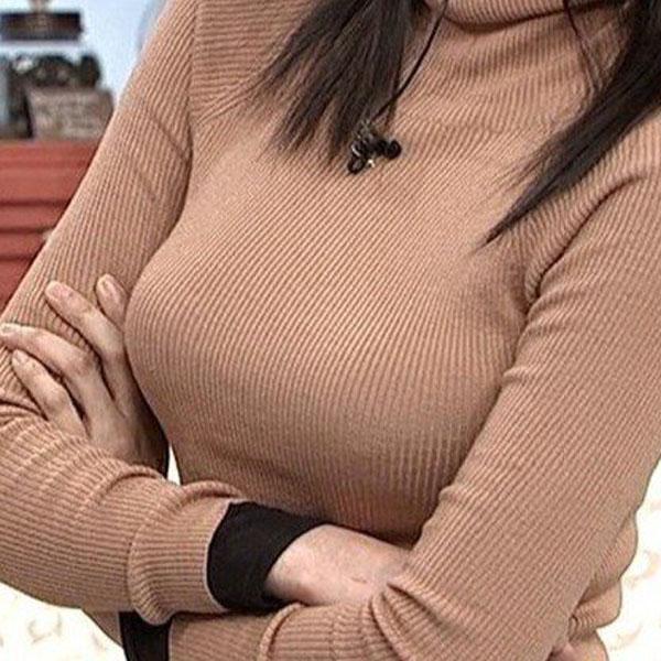 ぴったりニットを着た佐藤江梨子の着衣巨乳
