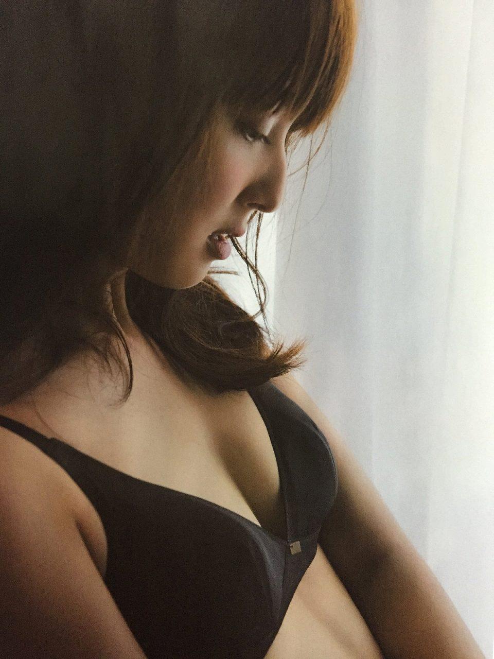 「anan (アンアン) 2015/09/16」佐々木希の水着グラビア