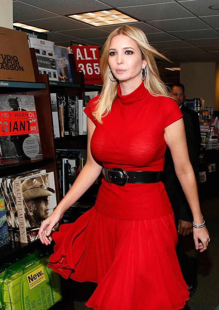 アメリカ合衆国大統領選挙候補ドナルド・トランプ氏の娘、イヴァンカ・トランプの着衣巨乳