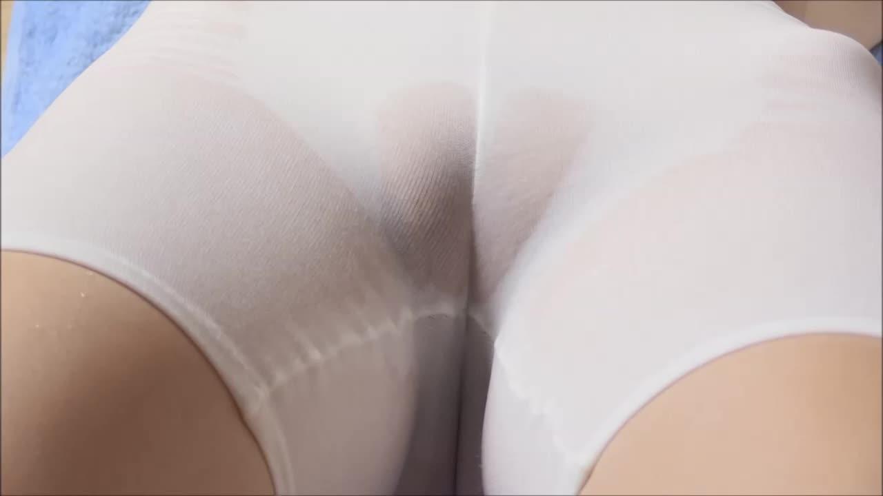 木村あやねのDVD「Secret Lover」キャプチャ画像(白いスパッツを履いた木村あやねのマンスジ)