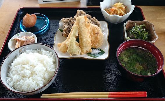 2日目昼食 もずく天ぷら定食