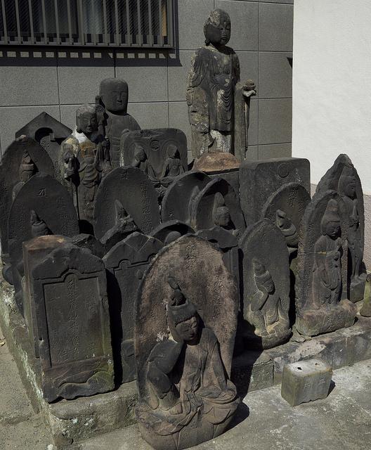 墨田北部地蔵003円通寺ぬれ仏地蔵