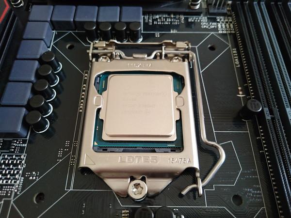 CPU取り付け完了