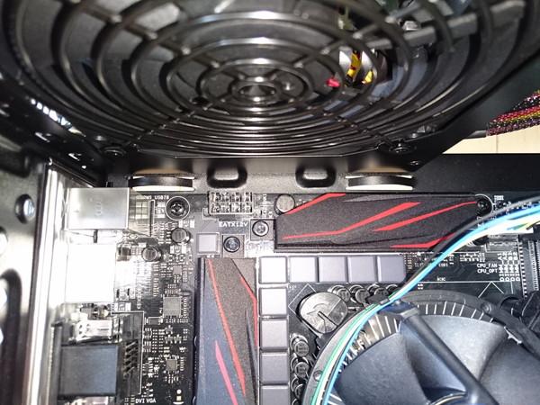 CPU電源ケーブル接続端子