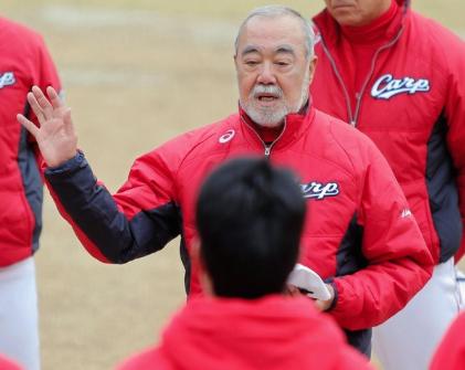 安仁屋コーチ