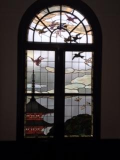 鳩山会館ステンドグラス