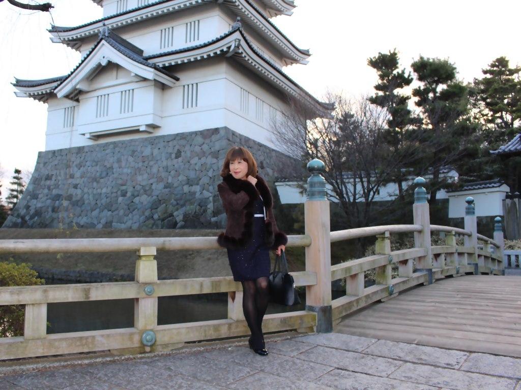 紺スーツと毛皮コートA(5)