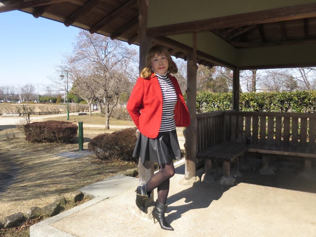 赤ブレザー黒スカートB(2)